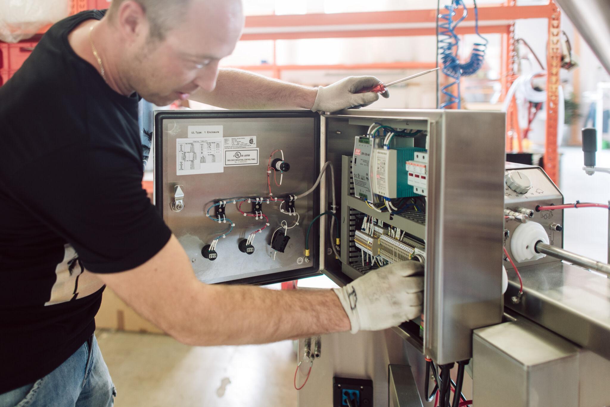 Servicetechniker Mechatroniker Job Ausschreibung